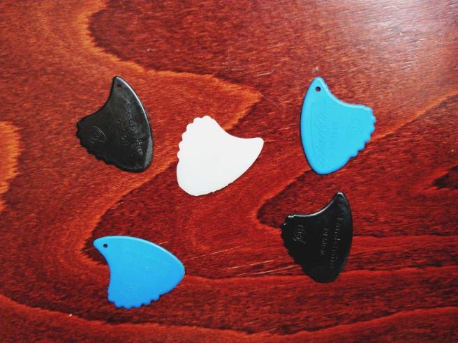 Landstrom sharkfin plectrums